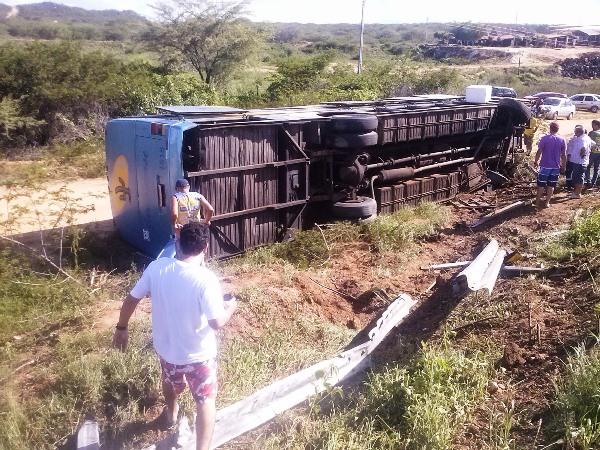 Passageiros informaram que o motorista dirigia em alta velocidade.