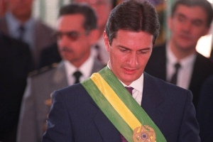 Ex-presidente Fernando Collor, acusado de receber propina.