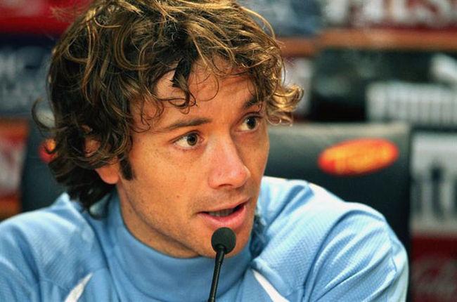 Capitão uruguaio, Lugano, faz comentários sobre a recepção do time e sobre a seleção brasileira.