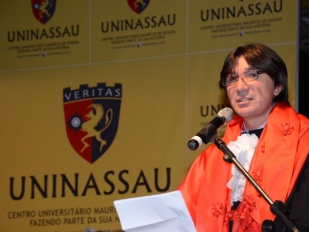 O empresário comanda vários campi sob as marcas da Faculdade Maurício de Nassau e Faculdade Joaquim Nabuco.