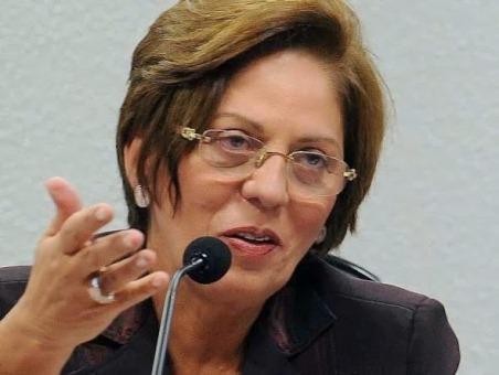 Sem muitos detalhes, Rosalba disse que vai se recandidatar no pleito de 2014.