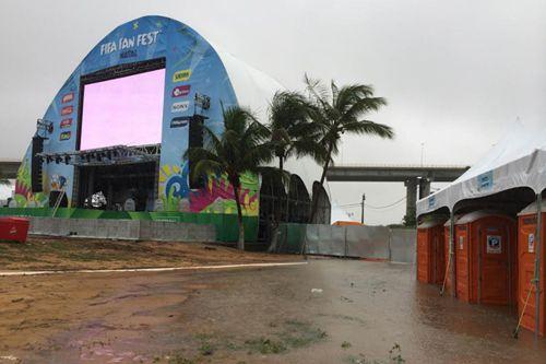 O evento foi parcialmente cancelado neste sábado, e novamente se deu devido a forte chuva na capital potiguar.