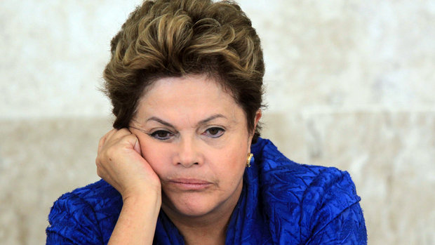 Presidente Dilma disse ter enfretado maiores dificuldades em sua vida do que os palavrões ouvidos na quinta (12) durante o 1º jogo do Brasil.