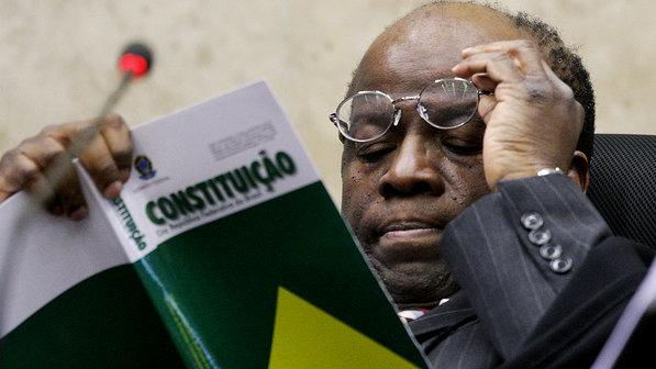 Barbosa julgará os pedidos de condenamento do mensalão, relativos ao cumprimento de suas penas.