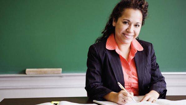 As mulheres são a esmagadora maioria dos professores, mais especificamente 71% deles.