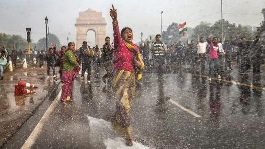 Crimes cometidos contra mulheres na Índia são uma constante.