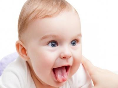 O teste da linguinha precisa ser feito logo após o nascimento da criança.