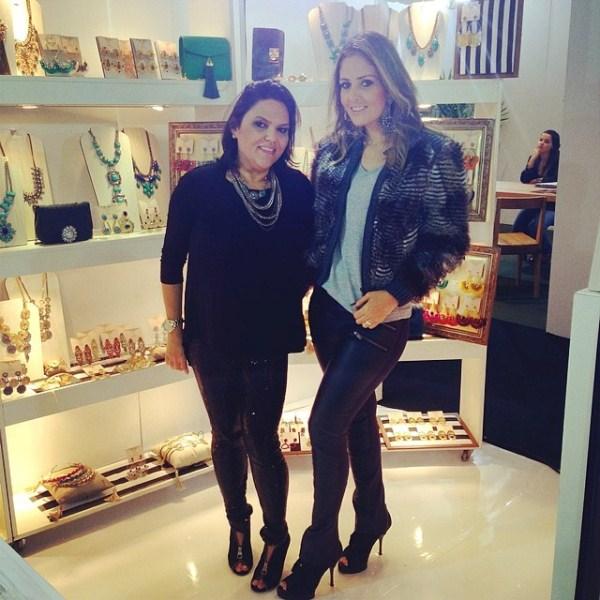 As empresárias e sócias da S. Design, Ana Lígia Pelocha e Sheila Moraes, participam pela 10ª vez do Salão Bossa Nova, no RJ.