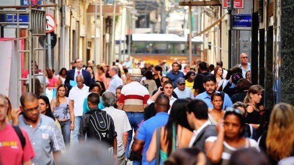 Apesar de ter havido uma queda na economia brasileira, ainda há boas expectativas de melhora nos próximos meses.