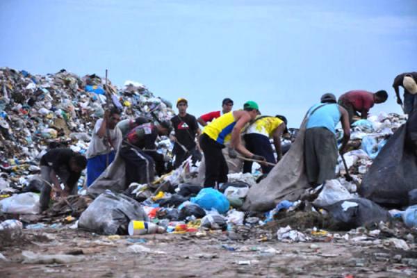 Lixo sem destino é uma das grandes preocupação que o Estado deve ter.
