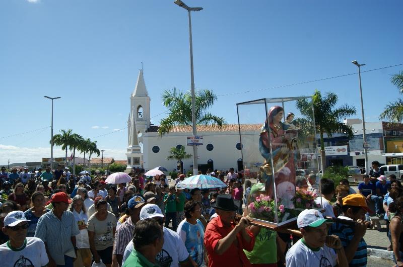 Curraisnovenses celebram 48ª Festa do Agricultor em grande desfile pela cidade