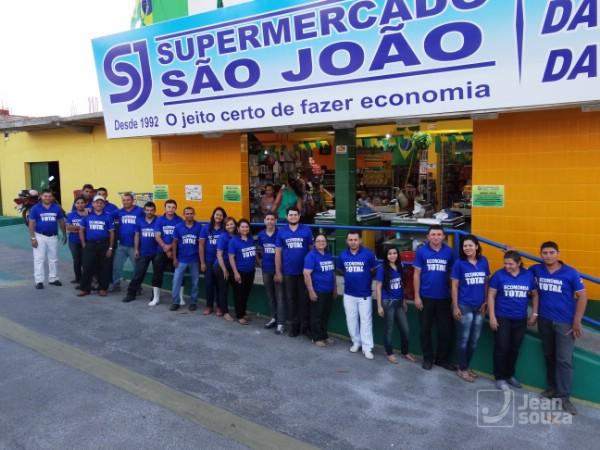Boa parte da equipe do Supermercado é formada por parentes do proprietário João Batista Sobrinho.