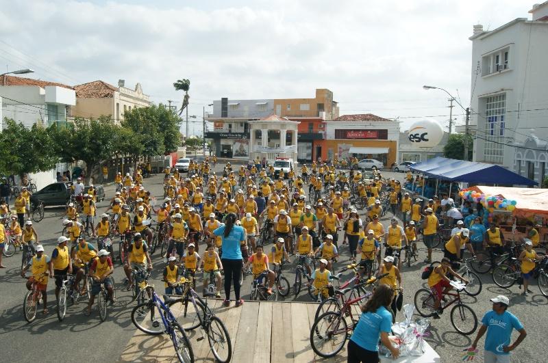 O evento contou com centenas de ciclistas.