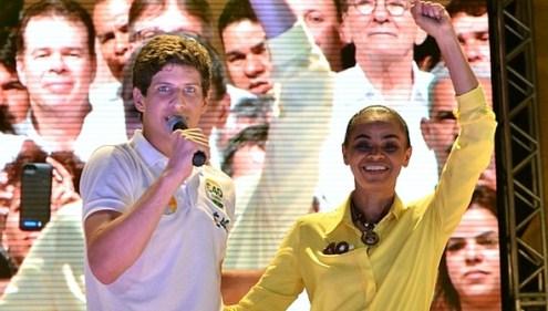 João Campos, filho de Eduardo Campos, e Marina Silva em comício no Recife.