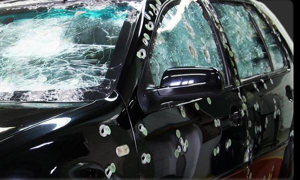 A falta de segurança obriga o motorista a desembolsar cerca de R$ 45 mil para blindar seu carro.