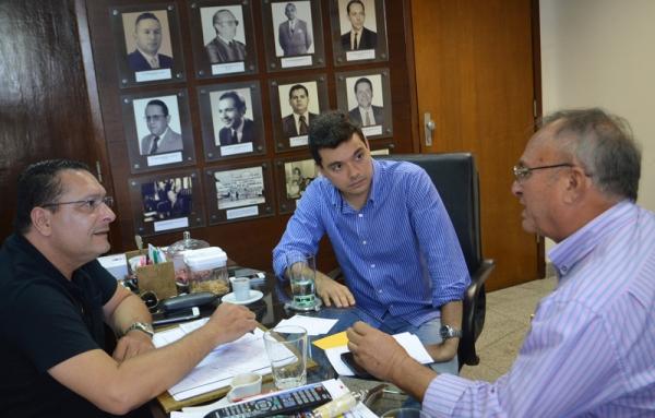 Deputados Ezequiel e Walter Alves definem emendas parlamentares para Currais Novos