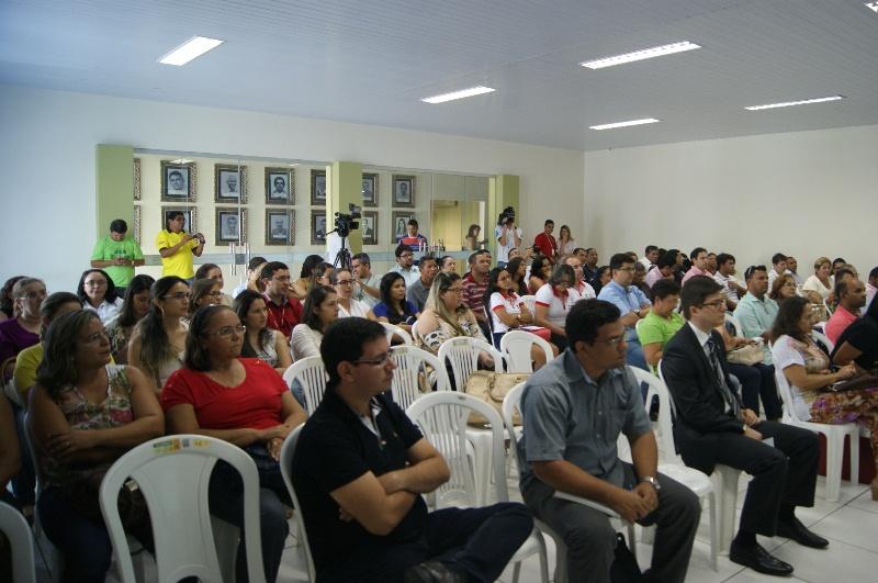 Encontro do FIA reúne autoridades e comerciantes para discutir contribuições a projetos sociais