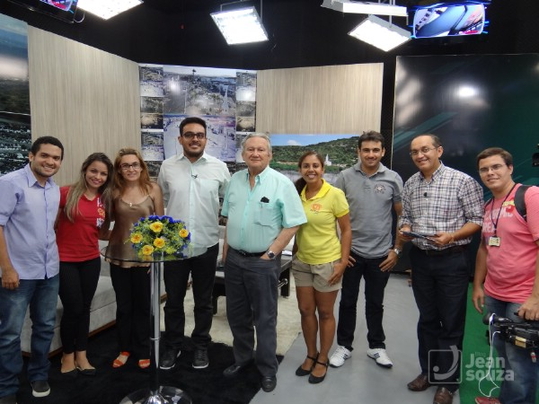 Representantes de vários meios de comunicação participaram o programa.