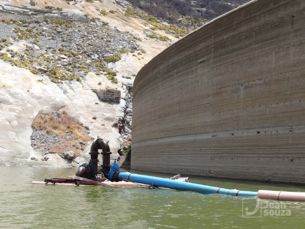 Gargalheiras está com o menor nível de água desde que foi construído.