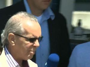 Adarico Negromonte se entregou à polícia nesta segunda-feira (14).