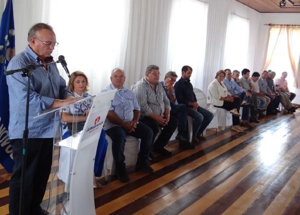 O prefeito Vilton Cunha agradeceu o empenho dos políticos, da CDL, imprensa e da população em geral.
