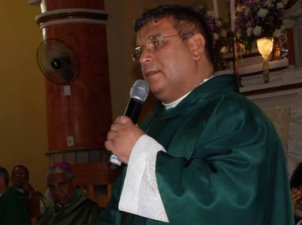 Padre Erivan Primo pediu o apoio da comunidade em geral.