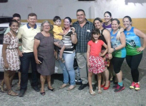 Suelene e toda a família foi comemorar, junto a Manoel Filho – proprietário da Rede Mais Venâncio.
