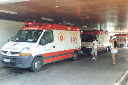Seis ambulâncias estão sem poder atender à chamados porque estão com as macas presas no Hospital Monsenhor Walfredo Gurgel.