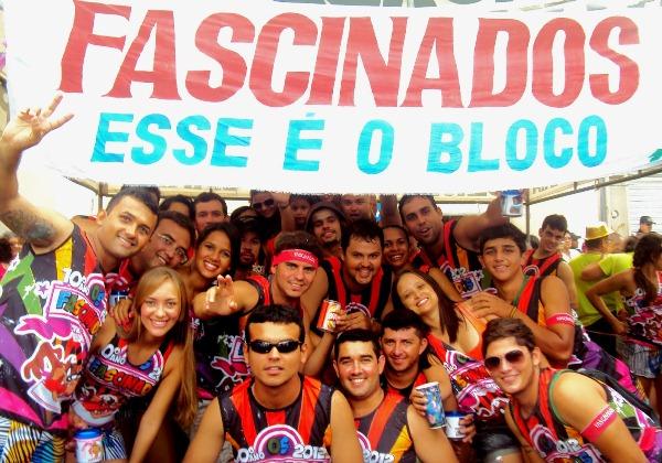 Turma do Bloco Fascinados, no ano de 2012.