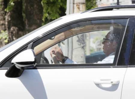 O juiz federal Flávio Roberto de Souza foi flagrado dirigindo o veículo na manhã hoje.