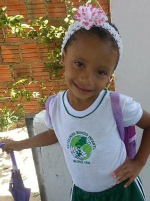 Evelyn Vitória, 4 anos, foi baleada e morreu no local.