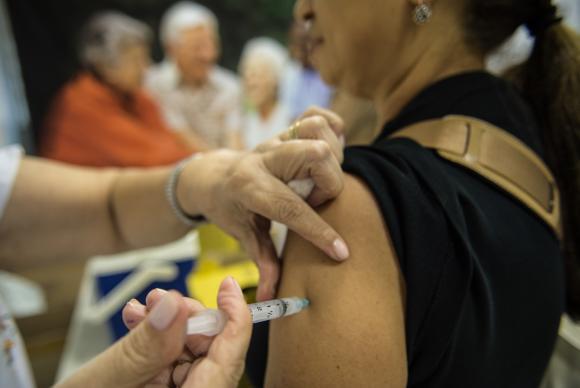 SAÚDE: Começa na segunda-feira campanha de vacinação contra gripe