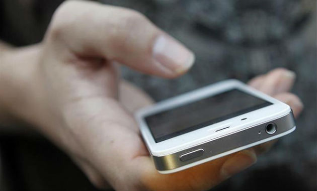 Smartphone-reuters6301