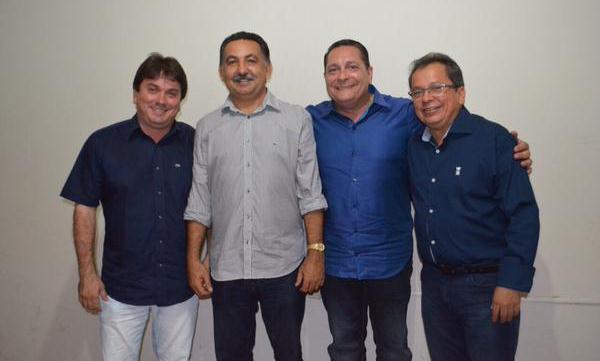 Em Florânia, Ezequiel se reuniu com os prefeitos seridoenses Júnior de Janúncio, Dr. Sérgio Eduardo e Joci Lins, além de vereadores e lideranças locais.