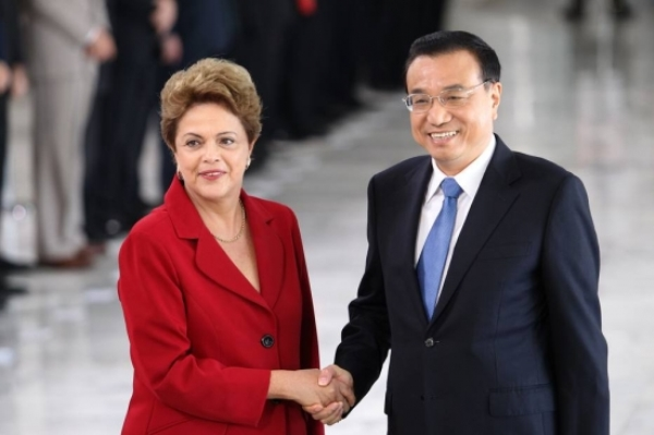 Brasil e China fecham acordos de US$ 53 bilhões e ajuda à Petrobras