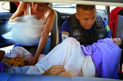 Na Paraíba, agentes da PRF realizam parto dentro de um carro