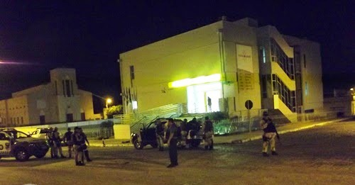 Banco do Brasil de Caraúbas é arrombado; policial e comerciante foram presos acusados de participar do assalto