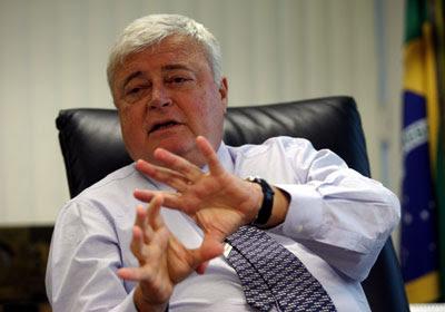 No Brasil, a corrupção está no sangue do brasileiro.