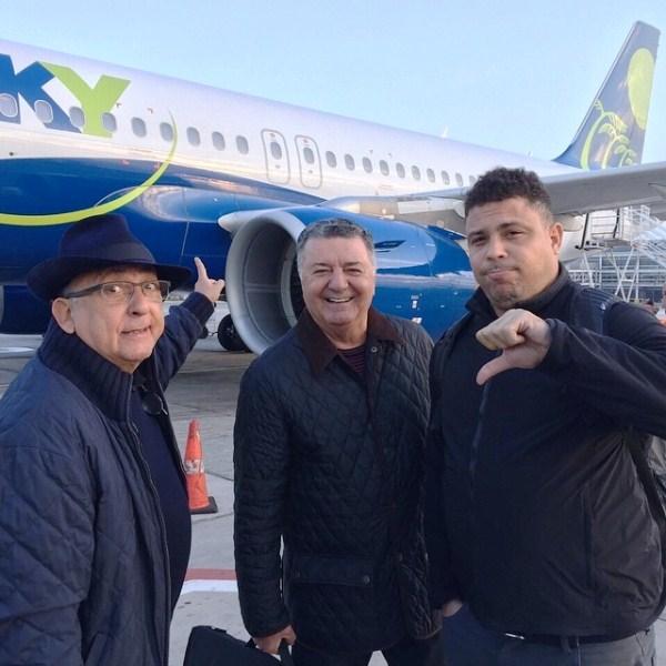 O narrador Galvão Bueno e os comentarista Ronaldo e Arnaldo Cézar Coelho passaram por um susto na manhã deste sábado.