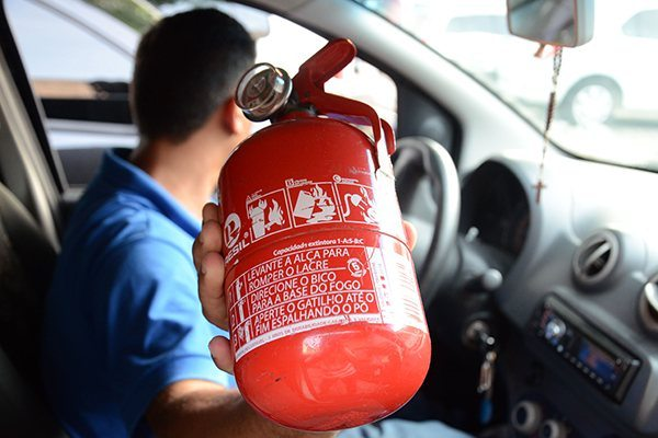 Prazo para uso de novo extintor no carro é mais uma vez adiado