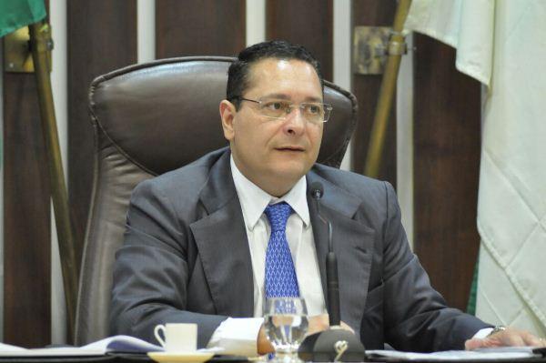 Deputado Ezequiel solicita melhorias nas condições de trabalho das polícias Civil e Militar de Currais Novos