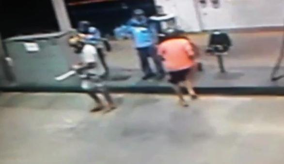 INSEGURANÇA: Armados com facões, indivíduos assaltaram o Posto São Luiz na noite desta quinta-feira (04)