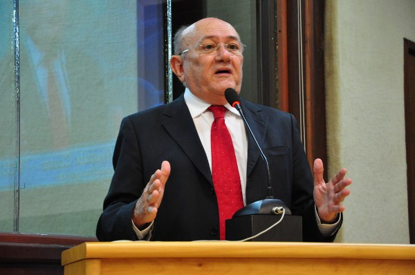 Vivaldo Costa assume vaga de deputado na Assembleia