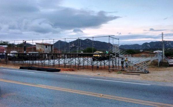 ACARI: Estrutura do Arena Forró já sendo montada para a melhor festa de todos os tempos