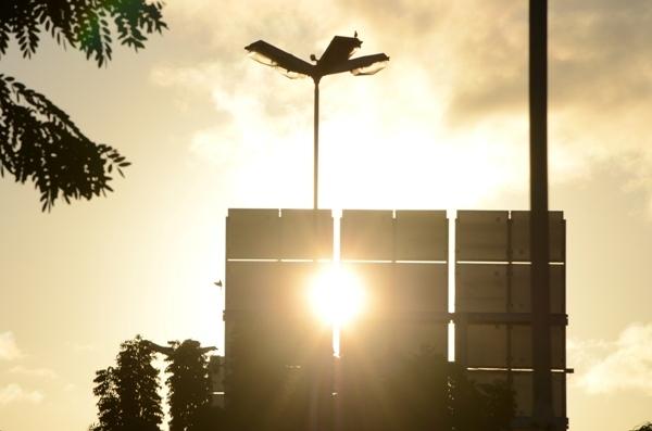 A instalação de sistemas fotovoltaicos, para a geração de energia através dos raios solares, tem apresentado crescimento.