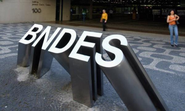 BNDES: estimando perdas de US$ 2 bi, procurador pede suspensão de novos financiamentos