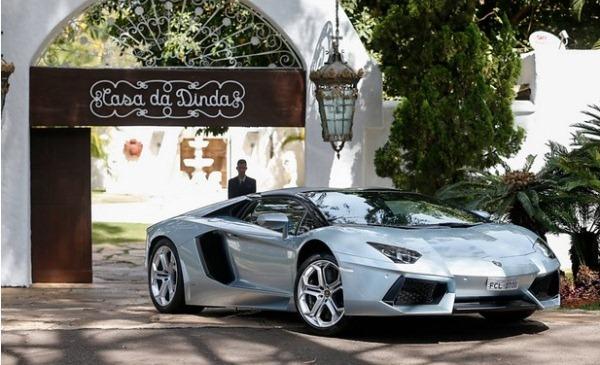 PF apreende Lamborghini, Ferrari e Porsche de Collor em fase da Lava Jato