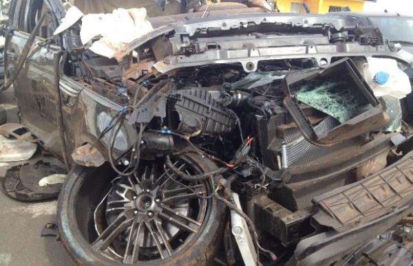 Dados da 'caixa preta' do carro de Cristiano Araújo vão para Inglaterra e as rodas tinham problema