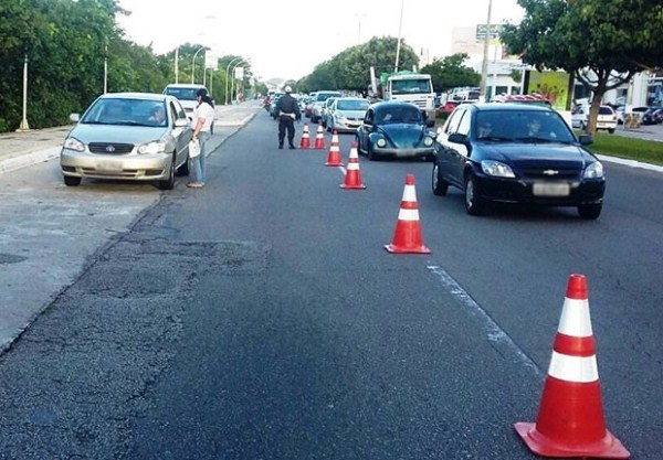 Número de veículos com atraso na taxa de licenciamento equivale a 62,89% da frota que circula no estado (Foto: Divulgação/Detran-RN)