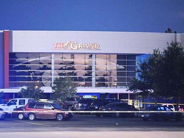 Homem abre fogo contra plateia em cinema nos EUA, mata 2 e se suicida